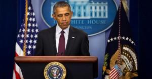 """Strage college Oregon, Obama commosso: """"Cambiamo legge armi"""""""