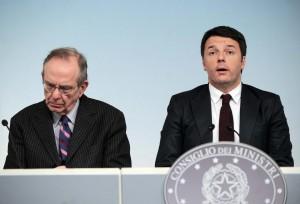 Dirigenti di nomina politica? Renzi li protegge dai tagli