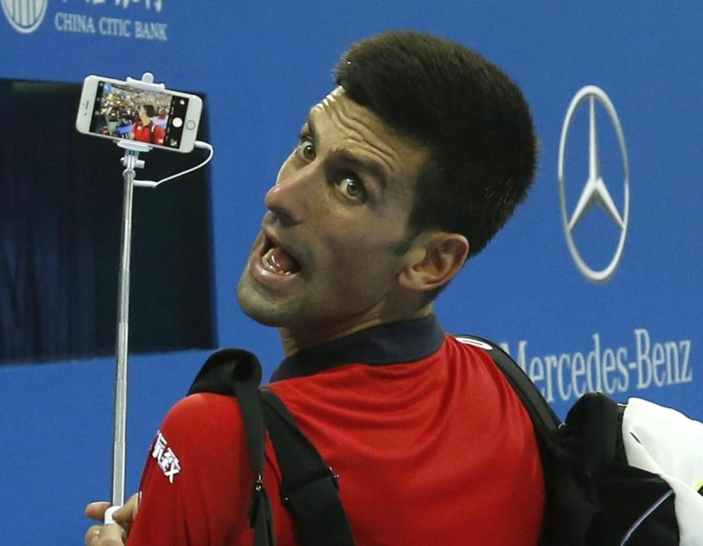 """Selfie vietato a messa: """"La comunione non è uno spettacolo"""" 6"""