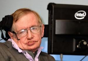 """Stephen Hawking: """"Alieni vogliono conquistare la Terra"""""""
