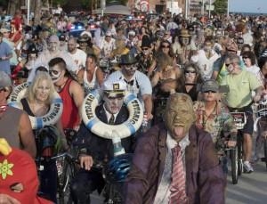 VIDEO Zombie Bike Ride: morti viventi invadono Key West
