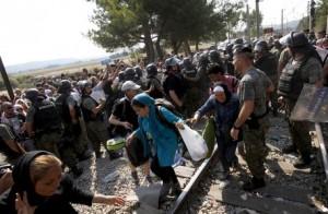 Migranti, Ungheria chiude anche le frontiere con la Croazia