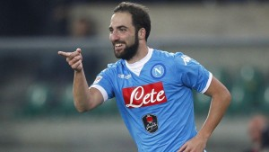 Napoli-Inter 2-1, highlights-pagelle: Higuain doppietta