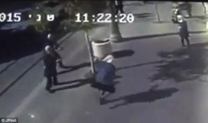 YOUTUBE: polizia Israele spara e uccide palestinese di 16 anni