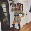 Elisabetta Canalis, Halloween vestita da soldatessa VIDEO