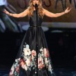 Celine Dion canta Edith Piaf: omaggio a vittime Parigi6