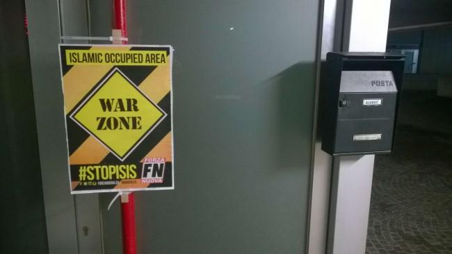 "Forza Nuova: cartelli ""War Zone"" affissi sulle moschee FOTO"