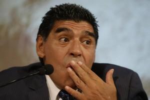 Napoli: Maradona si scusa con Sarri e incorona Higuain