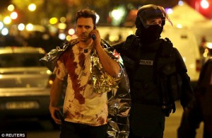 Attentati Parigi. Lenzuolo termico d'emergenza per i feriti