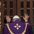 Papa Francesco apre in Africa prima porta santa del Giubileo10