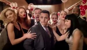VIDEO YOUTUBE - Alexis Sanchez in spot Huawei