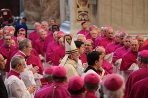 Vaticano: le case e le spese dei cardinali da Bertone a Pell