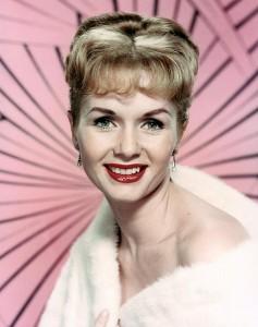 """Debbie Reynolds: """"Quella volta il cui il principe mi palpò"""""""