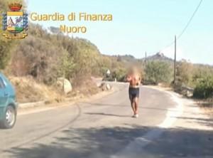 YOUTUBE Falsi ciechi a Nuoro: uno faceva anche la maratona