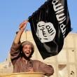 Isis, il tesoro dei terroristi: solo in Italia 32 milioni...