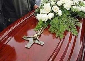 Vicini rubano casa alla morta durante il funerale