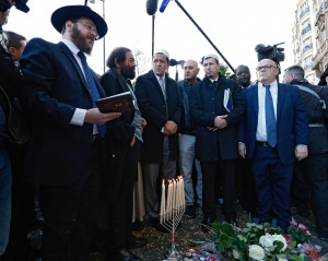 Attentati Parigi, imam pregano a Bataclan, canto Marisgliese