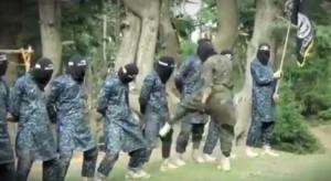 YOUTUBE Piramidi umane, calci genitali: Isis addestra così