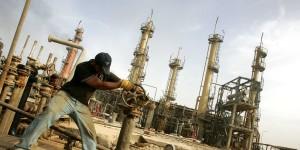 Isis: rotte petrolio jihadista, 1,5 mln di dollari al giorno