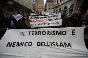 Gentiloni: Grazie a islamici italiani in piazza contro Isis