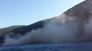 YouTube: terremoto Grecia, spiaggia frana e sparisce in mare