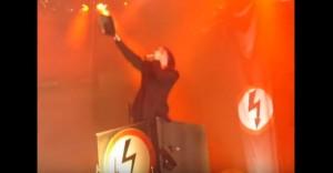YOUTUBE Marilyn Manson brucia Bibbia. E Raffaele Sollecito..