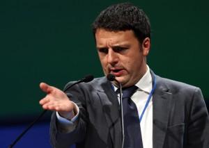 """Calabria alluvionata, Renzi allo stadio. M5s: """"Lo porto io"""""""