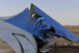 Aereo Metrojet, Egitto: esploso motore. GB sospende voli