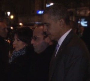 Parigi, Barack Obama rende omaggio vittime Bataclan