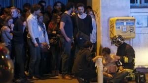 """Attentati Parigi, vicini del kamikaze Ismail: """"Un bulletto"""""""