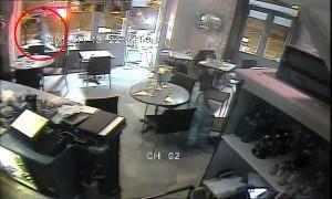 Attentati Parigi: 50mila euro per il video nel bar assaltato