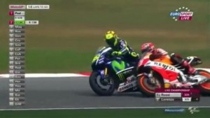Sondaggio: Valentino Rossi ultimo a Valencia. Giusto o no?