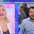 VIDEO Barbara D'Urso salva Salvini: Via, ci sono infiltrati