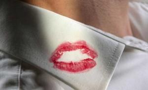 Lui la tradisce, lo fa licenziare: audio hard in tribunale