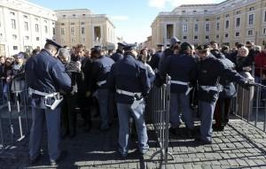 Isis, monitorate decine di persone in Italia