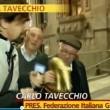 Strisca la Notizia, Tapiro d'oro a Carlo Tavecchio VIDEO