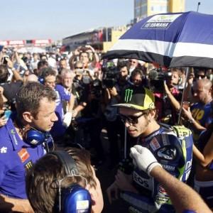 """Valentino Rossi, niente premiazione MotoGp. """"Un malore..."""""""