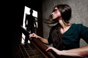 Picchia la moglie per 24 anni: non è reato, lei ci stava