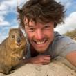 Alex, il professionista dei selfie con animali