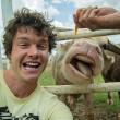 Alex, il professionista dei selfie con animali2