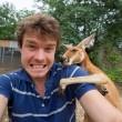 Alex, il professionista dei selfie con animali6