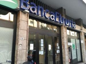"Luigino D'Angelo, la moglie: ""Ho paura che Banca Etruria..."""