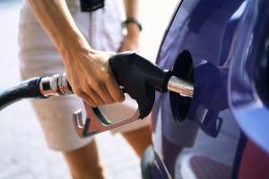 Consumare meno carburante: consigli, sconti, risparmio...