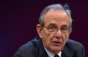 Il ministro dell'Economia, Pier Carlo Padoan (foto Ansa)