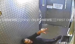 YOUTUBE Estremista islamico spara a uomo fuori da locale gay