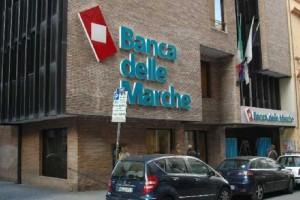 """Imprenditore denuncia Banca Marche: """"Non informò dei rischi"""""""