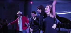 Barbara D'Urso e Siani cantano 'O surdato 'nnamurato