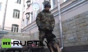Russia, cani poliziotto con giubbotto antiproiettili