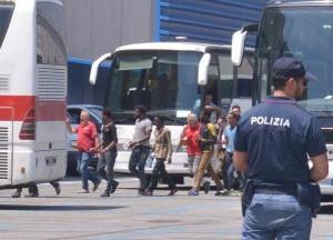 Genova: 35 clandestini da espellere ma senza posti al Cie...