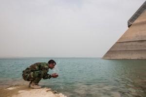 Diga Mosul, operazione alto rischio: Isis usa armi chimiche